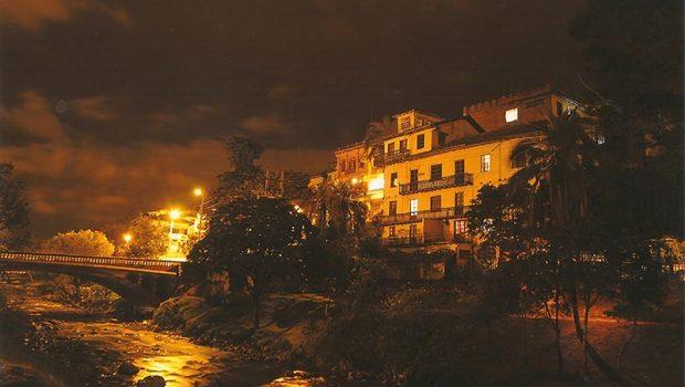 El Barranco en la Noche